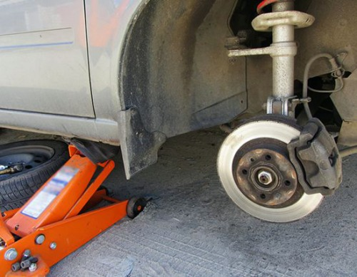 Как самостоятельно заменить шаровые опоры на автомобилях Лада Приора