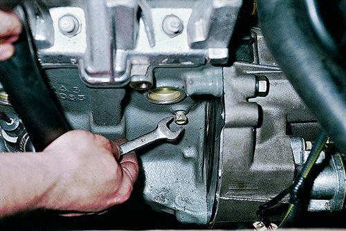 Замена охлаждающей жидкости ВАЗ 2108