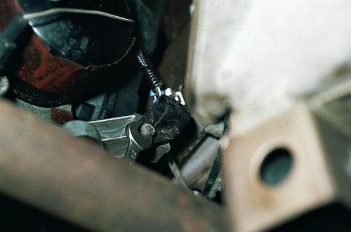 Проверка датчика положения коленвала ВАЗ 2110 и его замена без обращения в автосервис