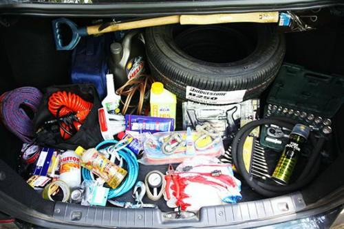 Список вещей, которые должны всегда быть под рукой или Что должно быть в багажнике транспортного средства