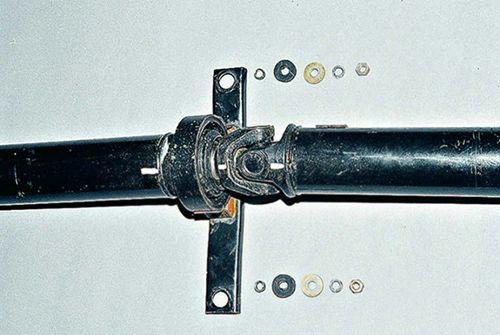 Как самостоятельно заменить крестовину карданного вала на ВАЗ 2101