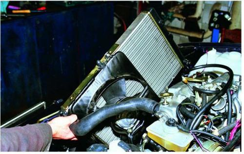 Алгоритм замены радиатора ВАЗ 2115